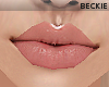 No-line Xee lips