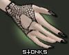 ┼ fishnet + blk nails
